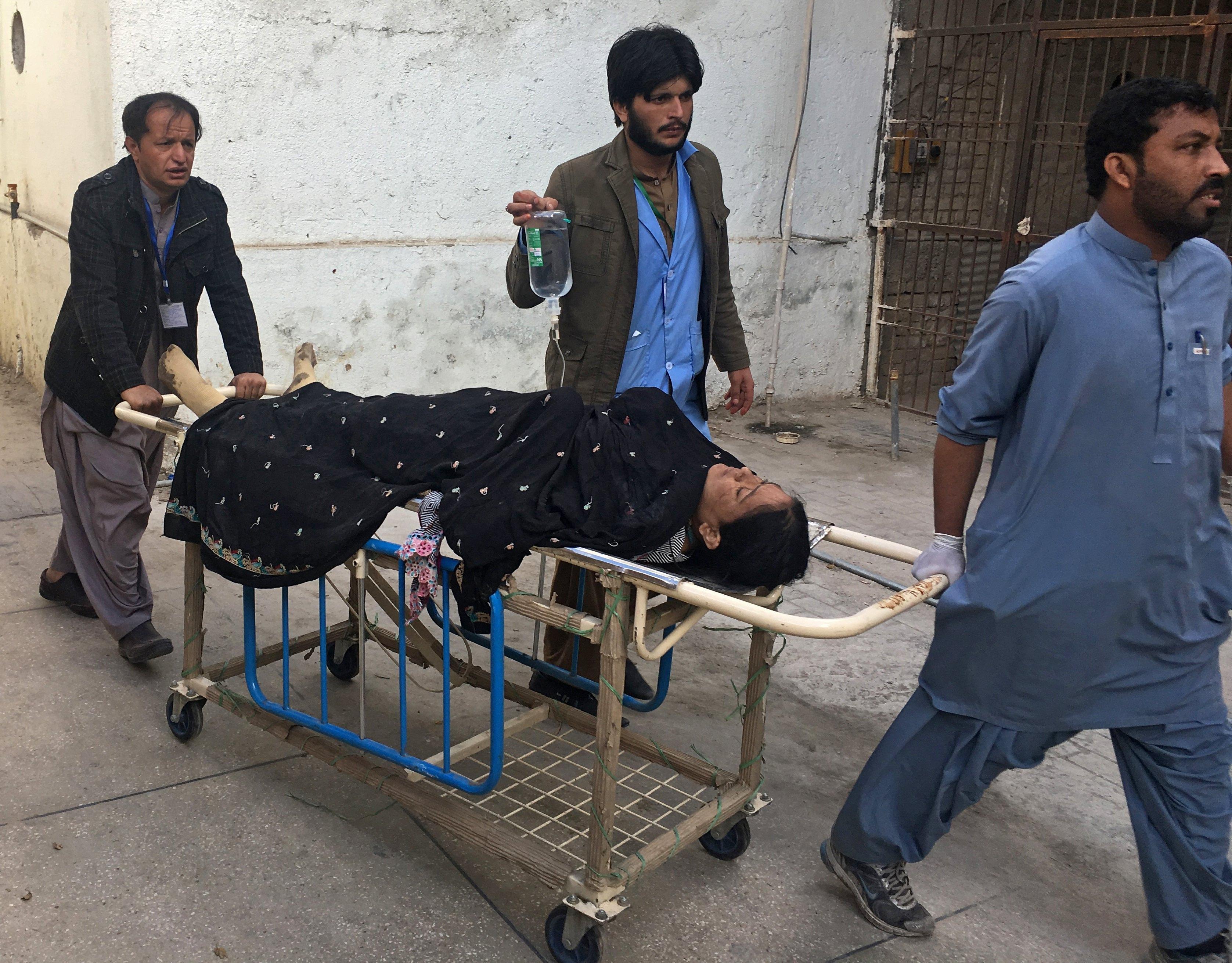 El tiempo mundo al menos cinco muertos y 20 heridos - Tiempo en pakistan ...