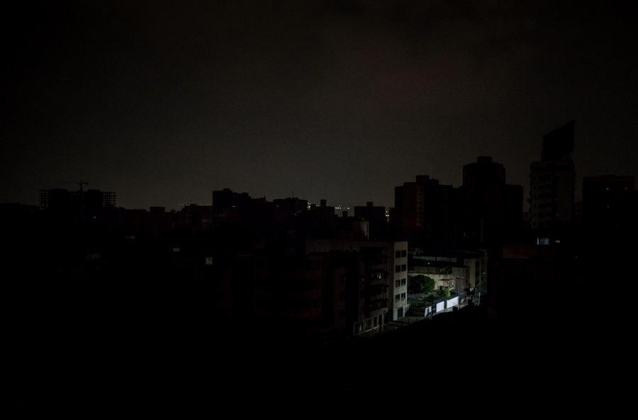 Un nuevo apagón deja a oscuras varios estados de Venezuela