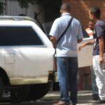 En Barcelona asesinaron a un taxista para robarlo