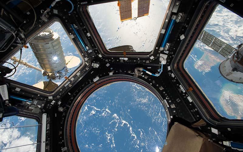 El Tiempo   Tiempo Libre   Astronautas preparan la EEI para la instalación de nuevas placas solares   El Periódico del Pueblo Oriental
